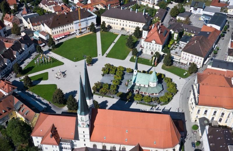 11813_Kapellplatz-Altötting-4-1280x833