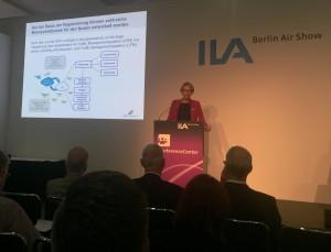 Angela Kies (DFS) zum praktischen Lösungsansatz Flugfreigabe für UAS