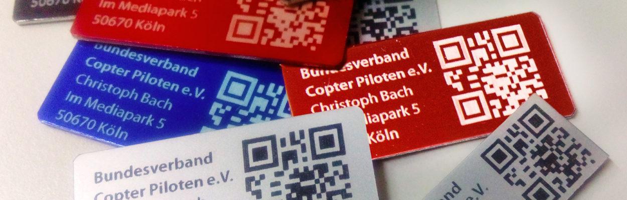 Plaketten für die Kennzeichnung von Drohnen