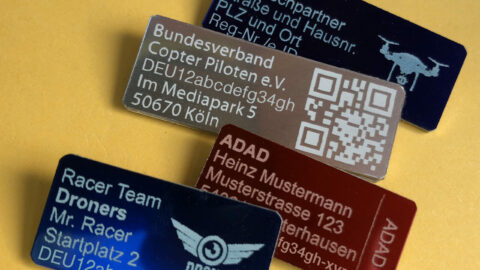 Neue Drohnenplaketten mit Registrierungs-ID